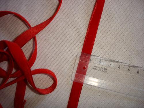 stuha sametová červená 50cm