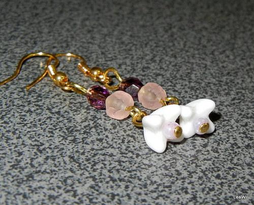 Květinovo-zvonečková růžovo-fialová