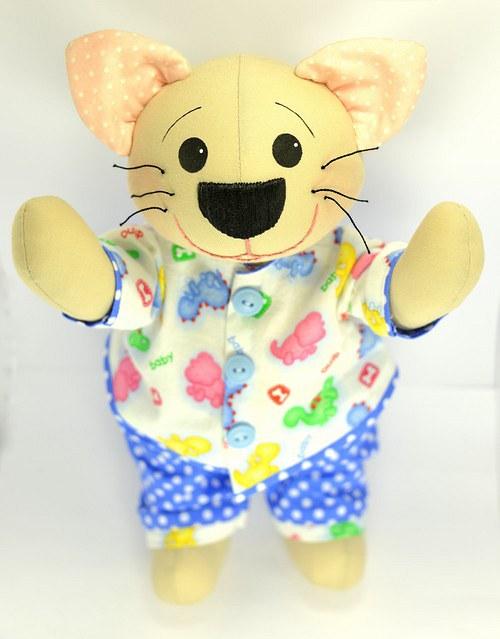 Autorský kocourek v pyžamku