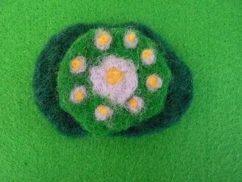 Leknínová - plstěná brož