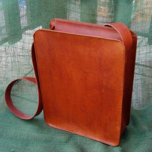 Kožená kabelka na objednávku