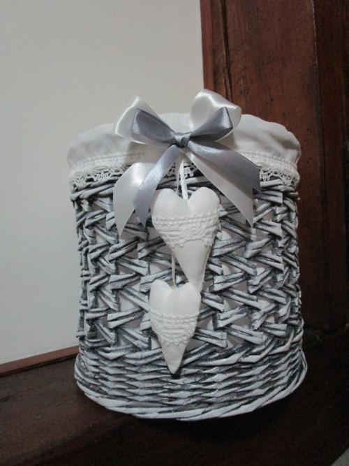 Košíček s šedou patinou
