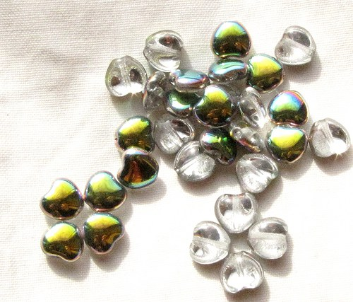 Srdíčka 8 mm, 30 ks, stříbřitá s pokovem