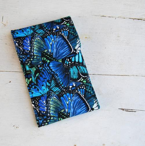obal na mobil motýlí křídla v modré