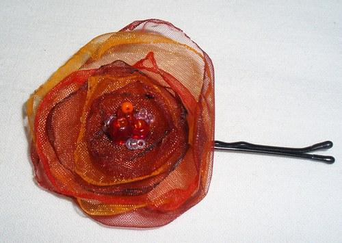 Malá červená květinka 4