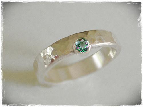 ano - snubní prsten s mystickym topasom