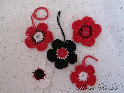 BLACK RED WHITE 2