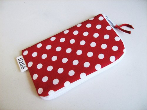 RED DOTS - PUNTÍKATÝ obal na telefon :-)