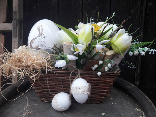 Truhlík - keramické vejce
