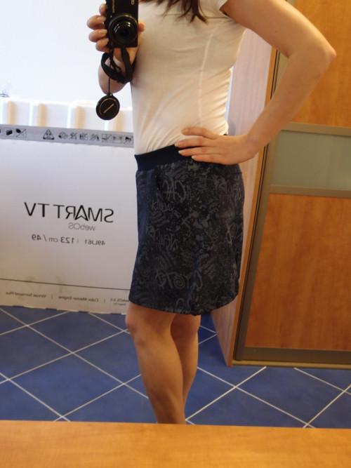 krátká sukně z teplákoviny