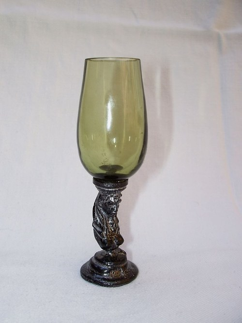likérová sklenička secesní dáma