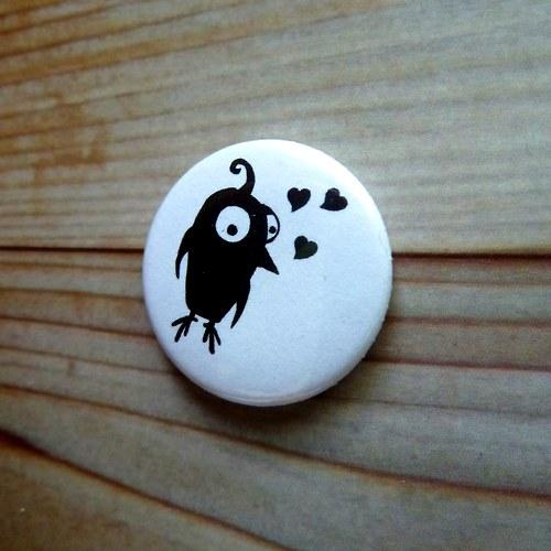 Černobílý zamilovaný ptáček