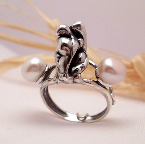 """Prsten \""""Moře - bezedný svět...\"""" perla, stříbro"""