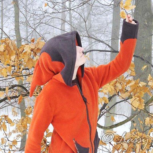 oranžovo-hnědá skřítka