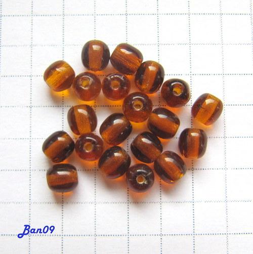 Kuličky hnědé 4 mm