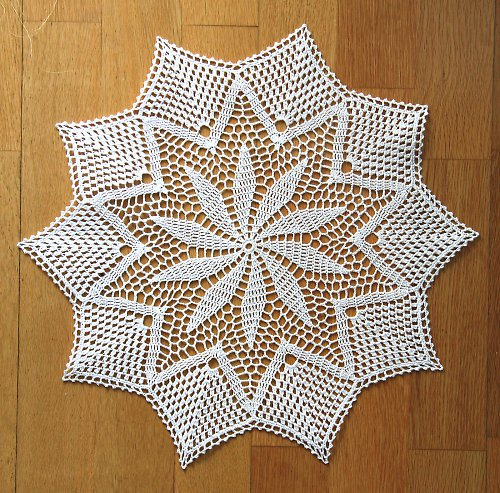 Dečka bílá háčkovaná průměr 41 cm - hvězda