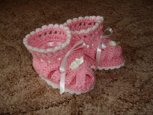 Háčkované sandálky pro mimi slečnu