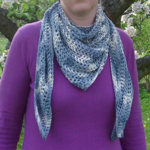 Bambusový šátek na krk - kovově modrý