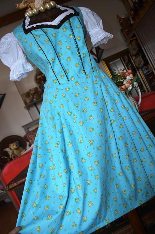 Dobové šaty náramné a větší vel. 44