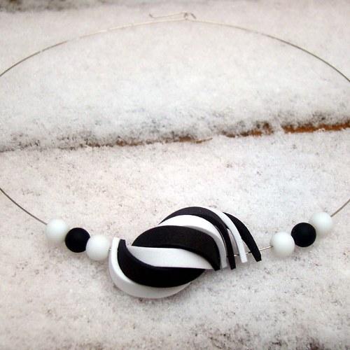 náhrdelník ulita černobílá