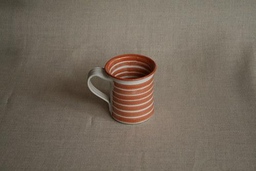 hrnek-mlékáč-cihlový