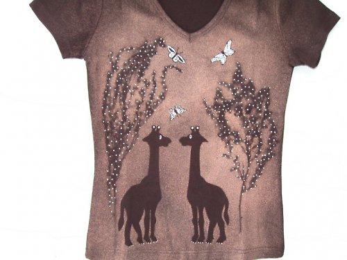 S- žirafí pokec v trávě