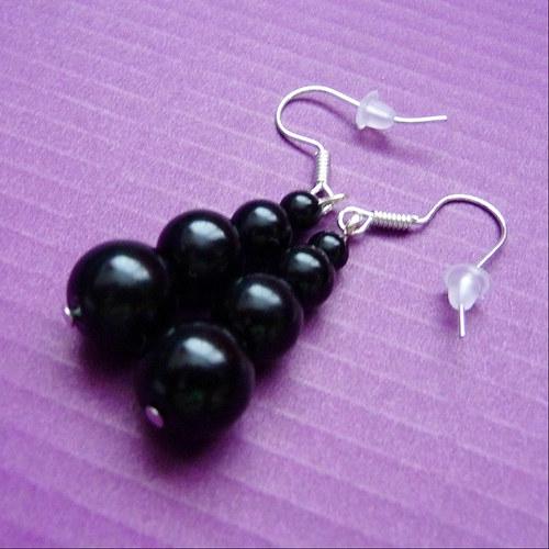 Černé perličkové náušnice (51)