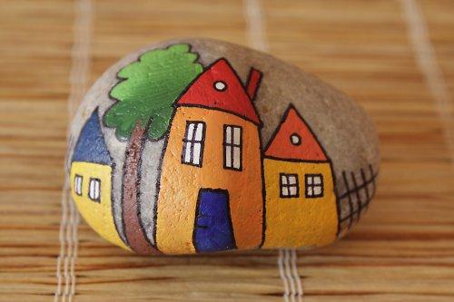 malovaný kámen - domečky