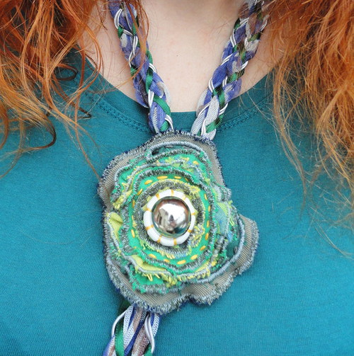 """náhrdelník \""""Textilní květ\"""""""
