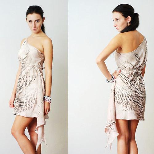 asymetrické šaty   Zboží prodejce livi a tana  a1342fc507