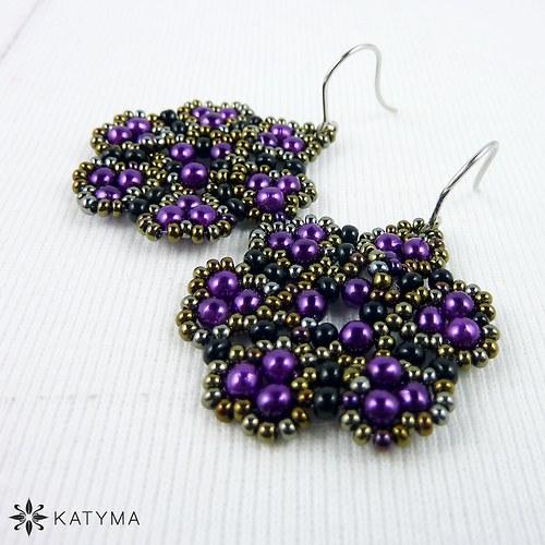 Náušnice malé krajkové fialové květy