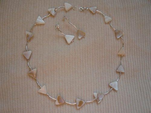 Náhrdelník s perletí s náušnicemi Ag925/1000