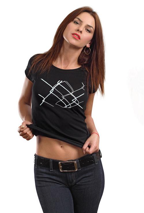 Dámské tričko ,,Za plotem,,