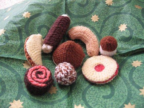 Tradiční háčkované vánoční cukroví