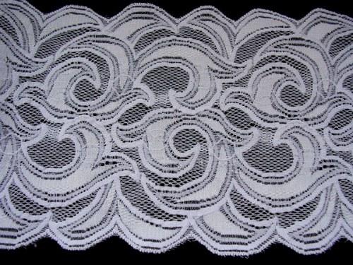 Čistě bílá strečová krajka se zvláštním vzorem