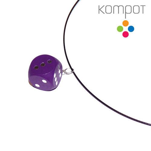 Náhrdelník s kostkou :: fialový