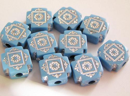ČTVEREČKY SE STŘÍBRNÝM ORNAMENTEM-modrá