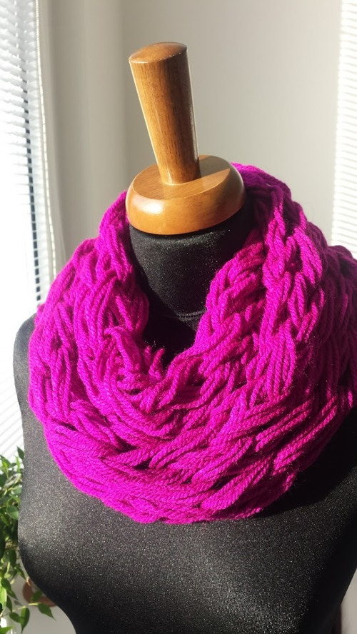 Sytě růžová pletená