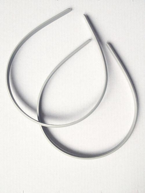 šedá plastová čelenka - plastová obruč