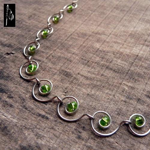 Zelená očka - náhrdelník