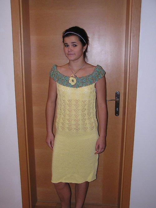 Pletené letní šaty
