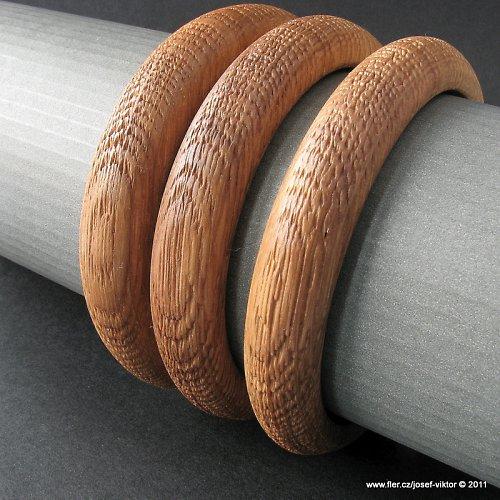 CHŘESTÝŠ DRSŇAČKA sada dřevěných náramků dub