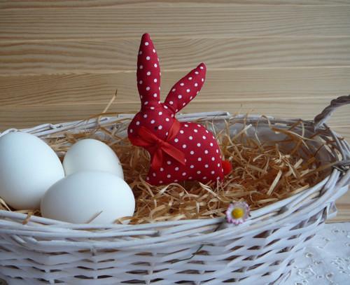 Zajíček  červeno-bílý puntík, červená mašle