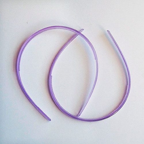 čelenka plast poloprůhl/ fialová/ šířka 7mm/ 1ks