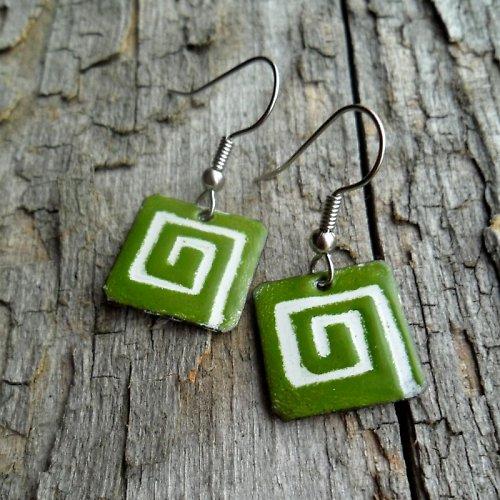 Zelené s ornamentem