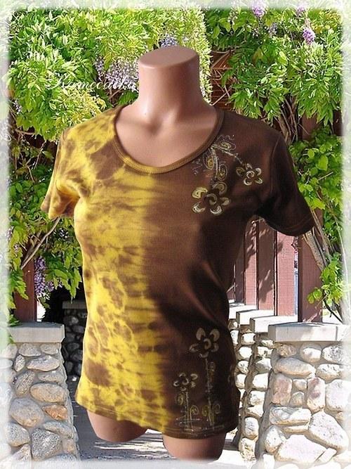 batikované tričko s květy