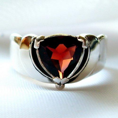 Prsten «Linda» - stříbro 925, přírodní granát