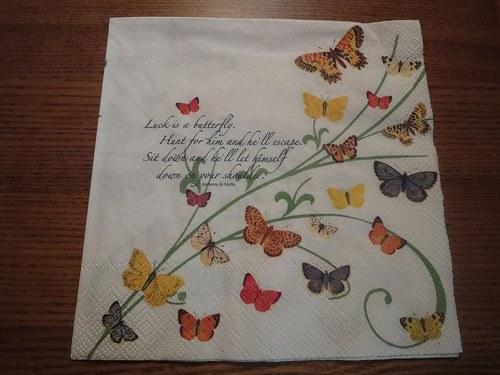 Ubrousek na decoupage - motýlci na bílém