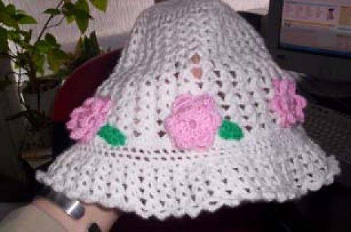 Háčkovaná klobouček pro drůžičku