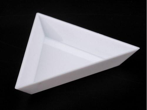 Trojúhelníková plastová miska